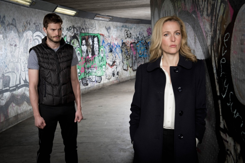 Jamie-Dornan-and-Gillian-Anderson-in-THE-FALL-on-location-Belfast